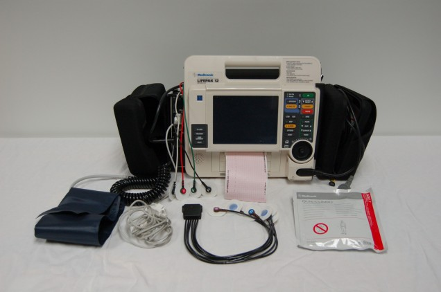 defibrillatore portatile usato medtronic